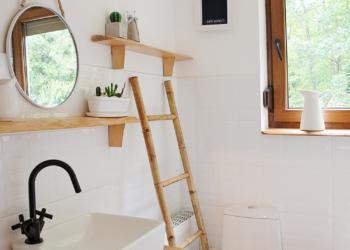 Otimize o espaço em banheiros pequenos